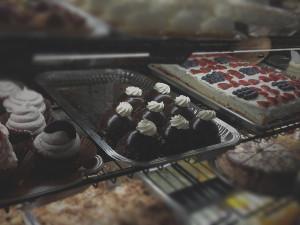Kneaders-pastry-rack